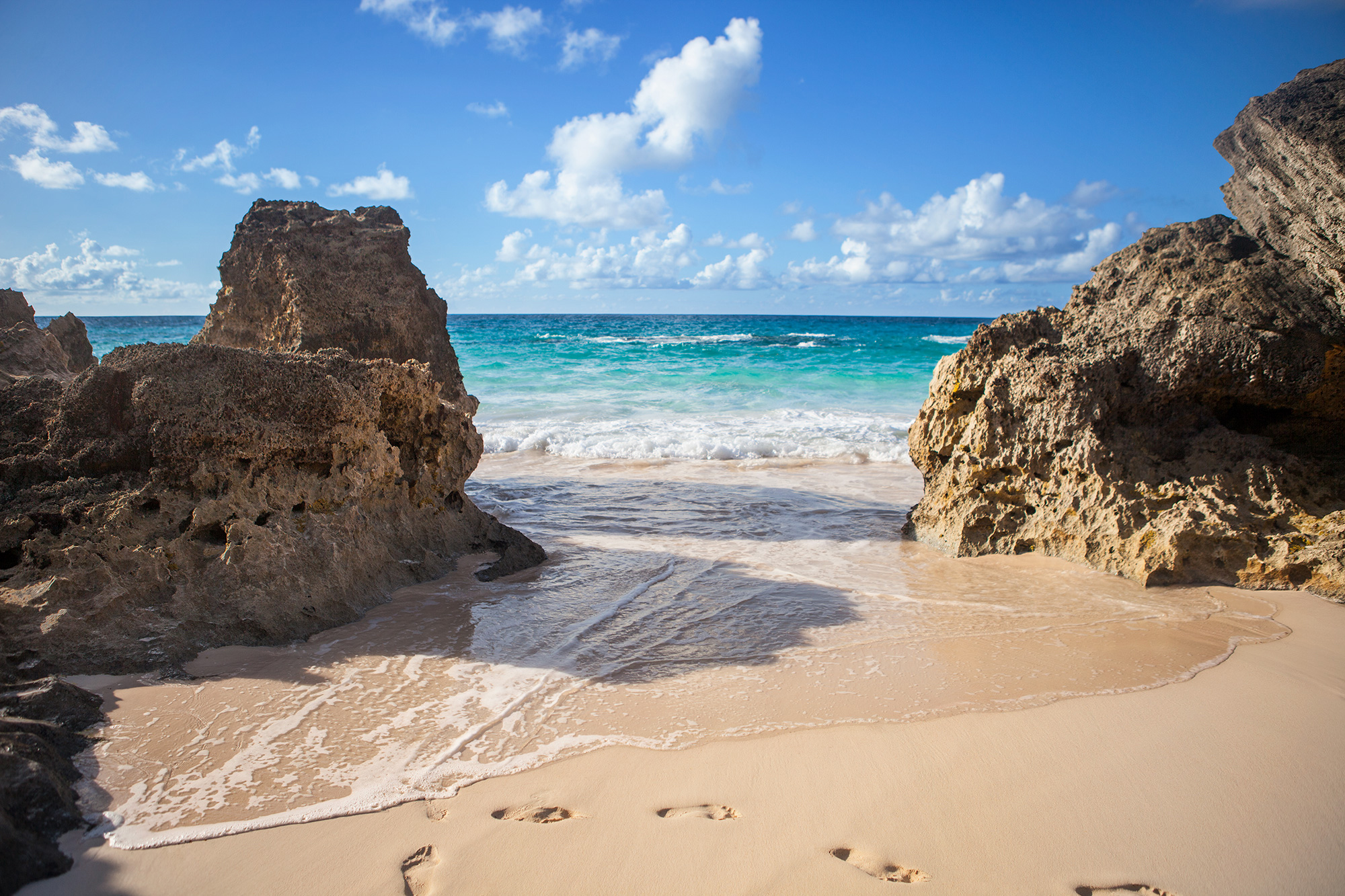 Beautiful sandy cove in Bermuda