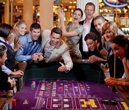 Fortunes Casino Bar