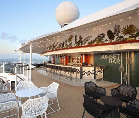 Celebrity Silhouette, SI, Celebrity Revolution, revitalized, refurbishment, public venue, public rooms, Solstice Class, Sunset Bar, aft, bars and lounges, architecture, seating, drinks